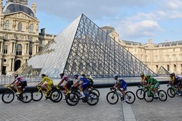 Le Louvre renoue avec les expositions)