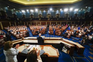 Ambitieux, Biden reste bridé par l'obstacle d'un Congrès divisé)
