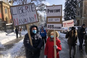Montréal Des manifestants réclament la libération d'Alexeï Navalny )