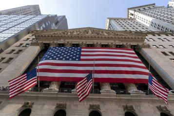 Wall Street rebondit nettement grâce aux géants technologiques)