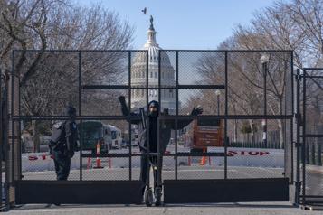 Cérémonie d'investiture de Joe Biden Un homme lourdement armé intercepté près du Capitole)