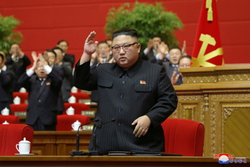 Kim Jong-un s'engage à renforcer l'arsenal nucléaire de la Corée du Nord)