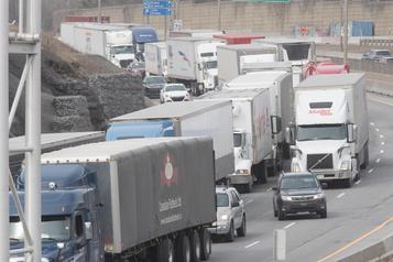 Taxe sur le carbone: une situation inéquitable, selon les camionneurs