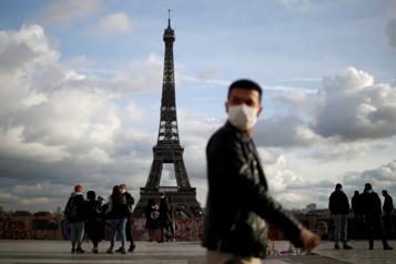 Paris La Tour Eiffel rouvre au public après neuf mois de fermeture)
