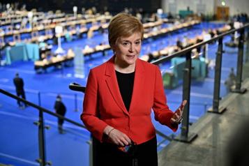 Écosse Les indépendantistes revendiquent la victoire et défient Londres)