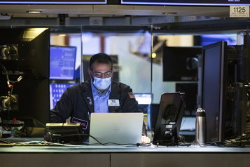 Wall Street termine en nette hausse, misant sur la reprise de l'économie)