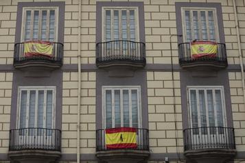 COVID-19: l'Espagne entame mercredi 10 jours de deuil national)