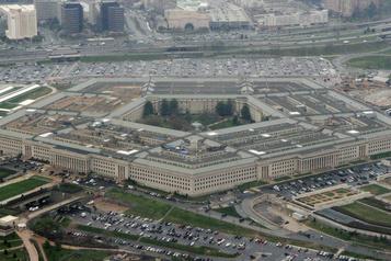 Le Pentagone crée une unité d'étude des ovnis)
