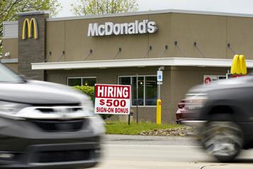 États-Unis McDonald's augmente les salaires pour attirer de nouveaux employés)
