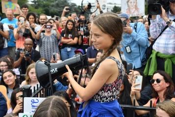 Greta Thunberg manifeste, timidement, devant la Maison-Blanche