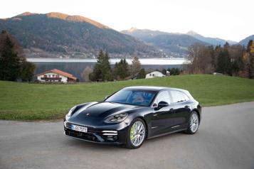 Banc d'essai  Porsche Panamera Turbo S E-Hybrid : sortie côté jardin)