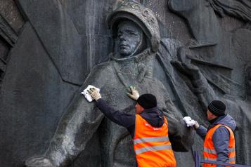 En Russie, la légende intacte de Iouri Gagarine)