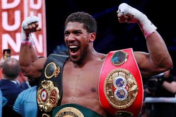 Boxe Joshua affrontera Pulev le 12décembre à Londres)