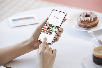 Samsung lance un téléphone 5G, le Galaxy S21)