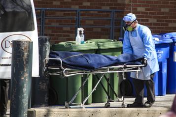 Mortalité au Canada en 2020 Près de 310000morts, 20000 de plus qu'en 2019)
