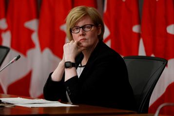 Trudeau appelé à nommer une femme ministre de la Défense)