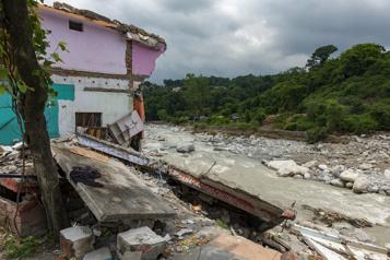 Mousson en Inde Au moins 115morts et des dizaines de disparus)