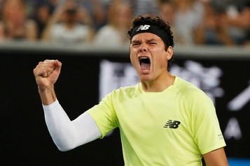 Internationaux d'Australie: Raonic surprend Tsitsipas