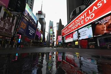 Les États-Unis dépassent le cap des 15 000 morts, la situation s'améliore à New York