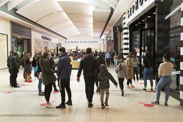 Les heures d'ouverture des magasins prolongées dès le 27novembre)