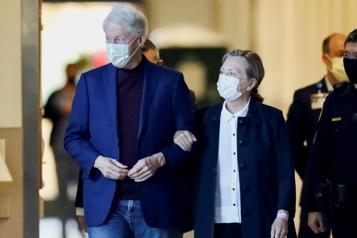 L'ex-président Bill Clinton quitte l'hôpital