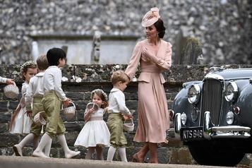 La duchesse de Cambridge se confie sur sa «culpabilité de maman» dans un balado
