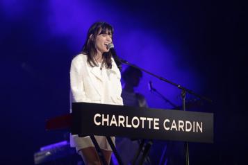 Charlotte Cardin repousse la sortie de son album)