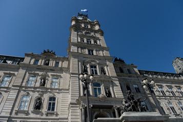 Secteur public: les syndicats négocient une «prime coronavirus» avec Québec