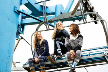 Les sœurs Dufour-Lapointe lancentune ligne de vêtements