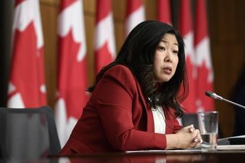 Le Canada «déçu» par les droits de douane américains sur le bois canadien)