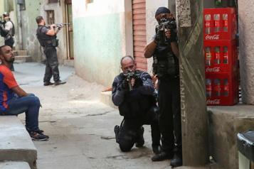 Brésil La police de Rio appelée à s'expliquer sur son opération sanglante)