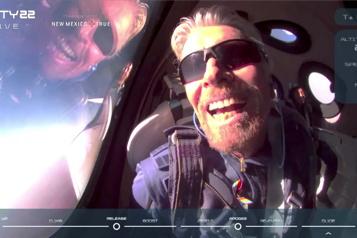 Un premier vol dans l'espace réussi pour le milliardaire Richard Branson)