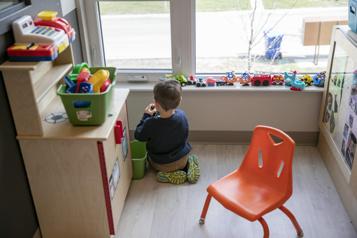 Garderies Ottawa versera 6milliards à Québec «sans condition», dit Eric Girard )
