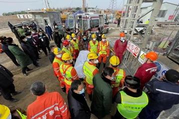 Mineurs coincés en Chine: neuf des 10 derniers hommes sont morts)