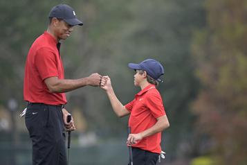 Tiger et Charlie Woods terminent 7e au Championnat PNC)