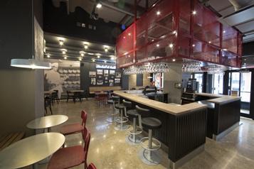 Montréal  Des restaurateurs misent sur lecentre-ville)