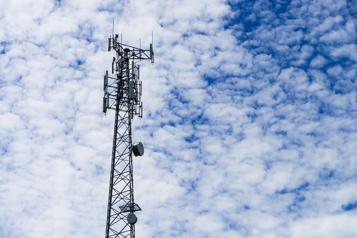 Enchères de spectre sans fil Ottawa récolte 8,9milliards )