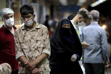 COVID-19: nouveau record en Iran avec 221 morts en 24 heures)