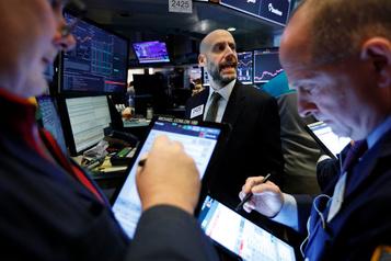 Wall Street, surveillant le coronavirus, termine en baisse