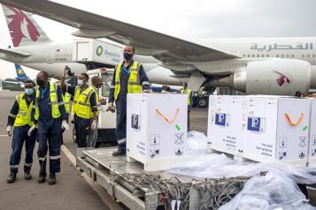 Le Rwanda, premier pays africain à recevoir des vaccins Pfizer)