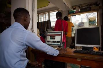 Élections en Ouganda L'internet partiellement rétabli, le décompte législatif se poursuit)