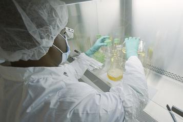 Une protéine suspectée de jouer un rôle dans les formes graves de COVID-19)