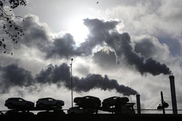 Taxe sur le carbone Des revenus plus élevés que prévu)
