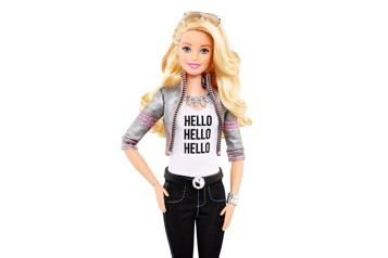 Mattel propose de recycler les poupées Barbie)