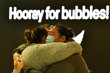 COVID-19 Vive émotion pour le lancement de la «bulle» entre l'Australie et la Nouvelle-Zélande)