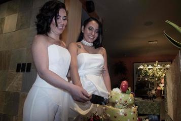 Le Costa Rica, premier d'Amérique centrale à légaliser le mariage homosexuel)