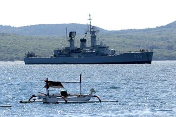 Intenses recherches pour retrouver un sous-marin indonésien avec 53 hommes à bord)