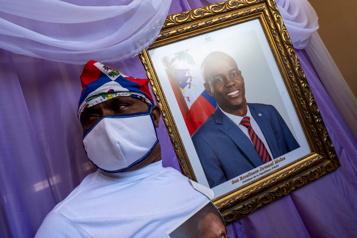 Assassinat du président haïtien Primes offertes dans la recherche de suspects)