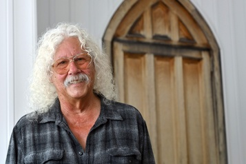 L'artiste folk Arlo Guthrie se remémore Woodstock