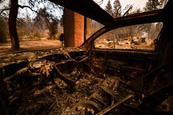Californie Flammes et désolation aux vignobles de la Napa Valley)